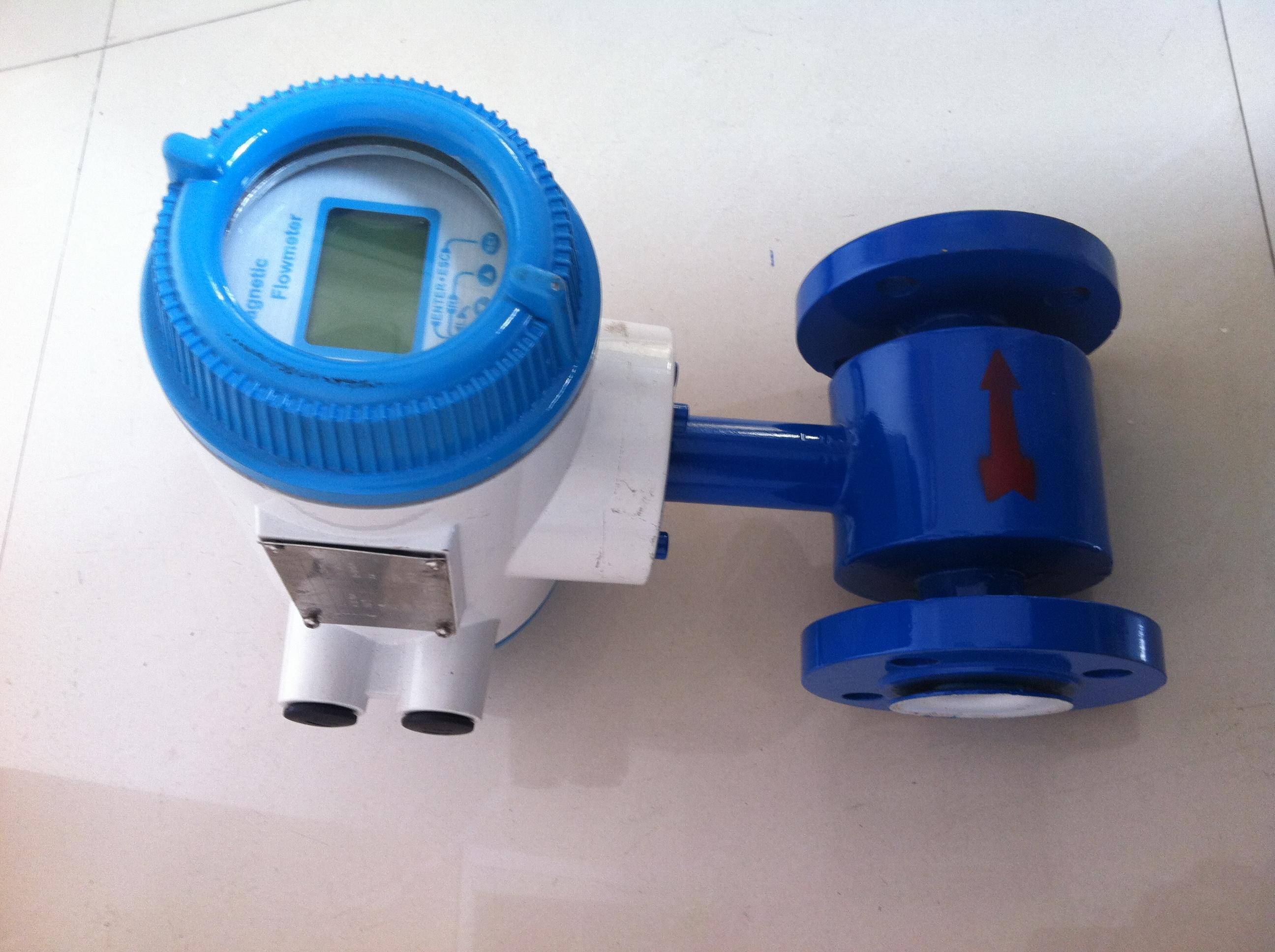 电磁流量计,转换器被安装在离传感器30米内或100米内